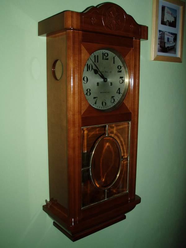 reloj tallado en madera maciza con reloj retro y cristal con plomo