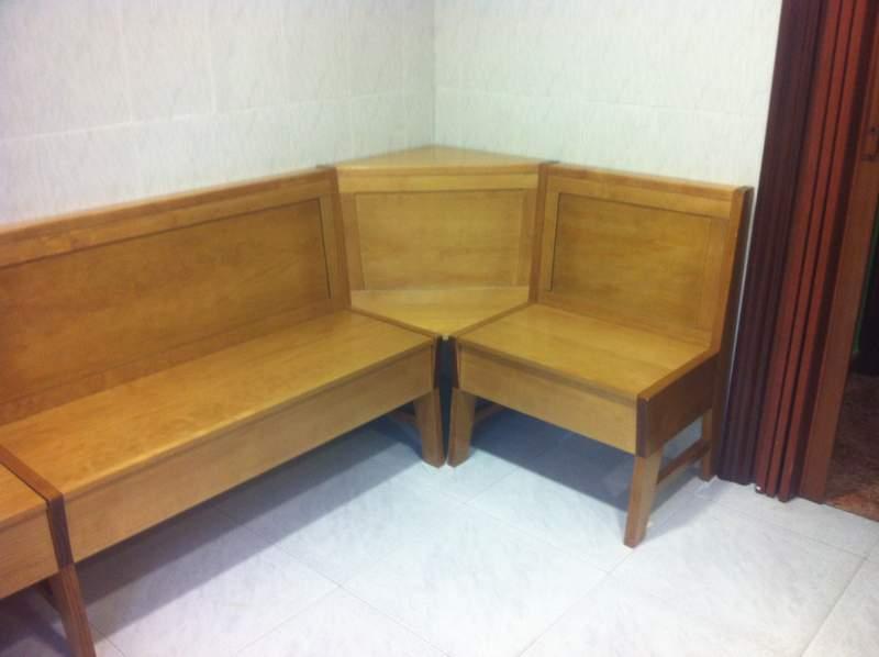 banco de madera cocina con cajones escondidos