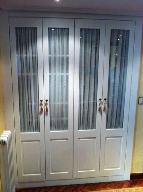 Armarios lacados - Puertas de armario empotrado ...