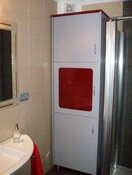 armario de baño de color gris