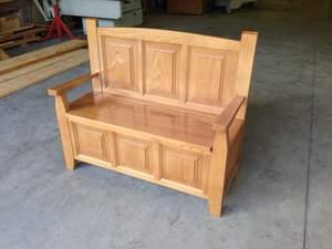 banco arcón o banco carbonero en madera de castaño