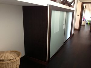 armario empotrado puertas de correderas wengue y cristal