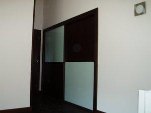armario empotrado puertas de correderas wengue y cristal en cuadrado